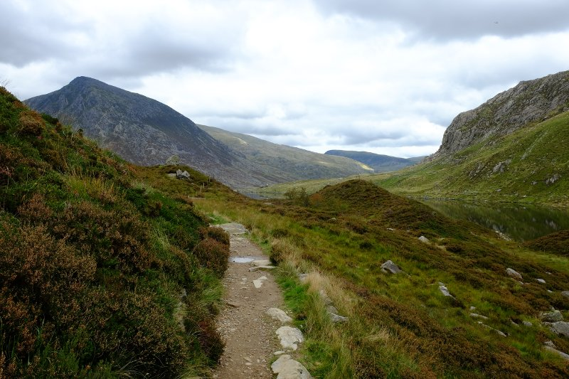 The return track, looking to Pen Yr Ole Wen.