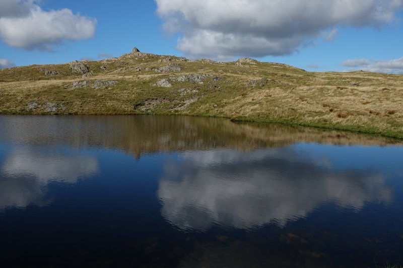 Looking back to the summit from Llyn y Fign.