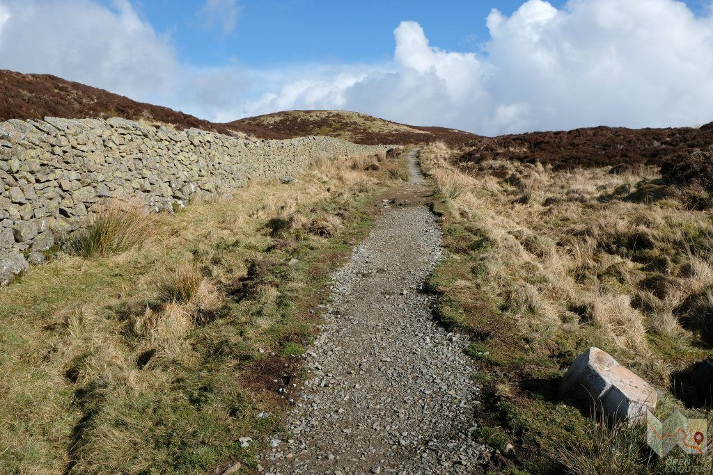 Final stretch of path to the summit